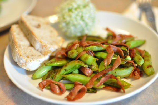 Sugar Snap Peas with Salami Crisps
