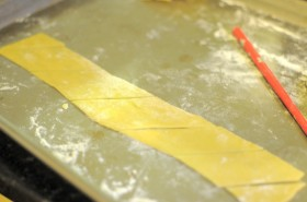 Cutting the pasta