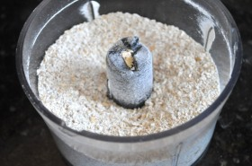 Grinding the oat flour