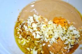 Uncooked tahini-garlic sauce