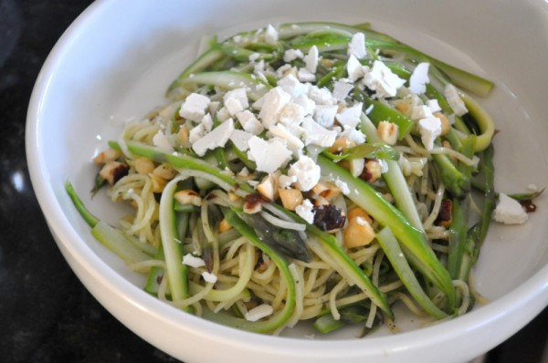 Pasta with Asparagus and Hazelnuts